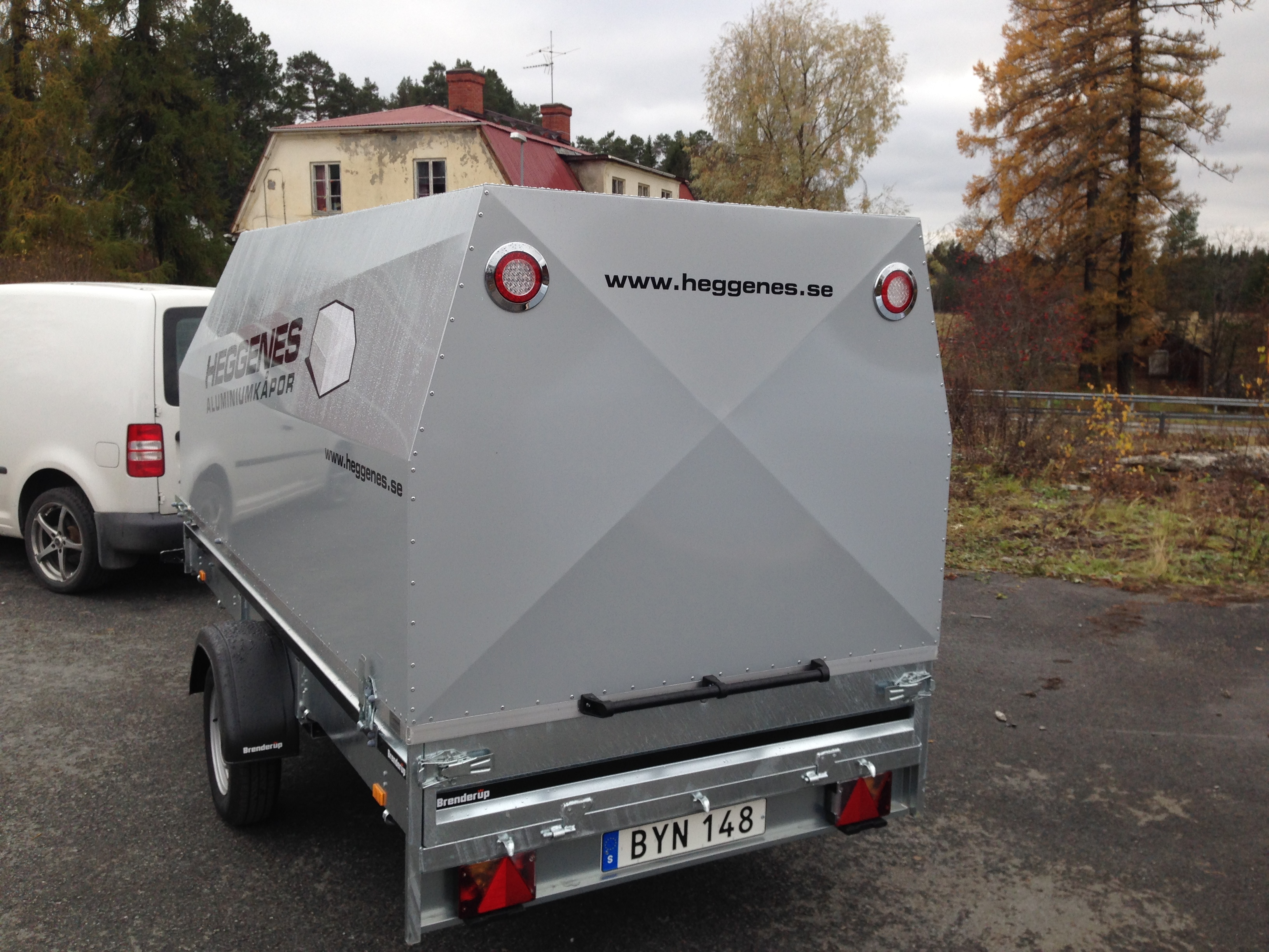 släpvagn kåpa aluminium